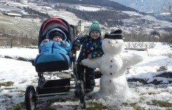 Freude mit dem Schneemann
